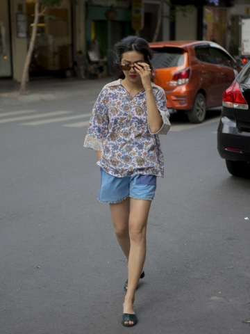 Lam Blue Flower Shirt